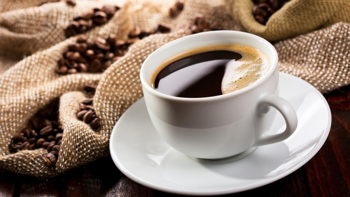 La consommation de café réduit le risque  de développer une maladie chronique du rein